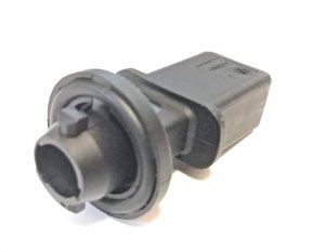 Turn signal bulb socket